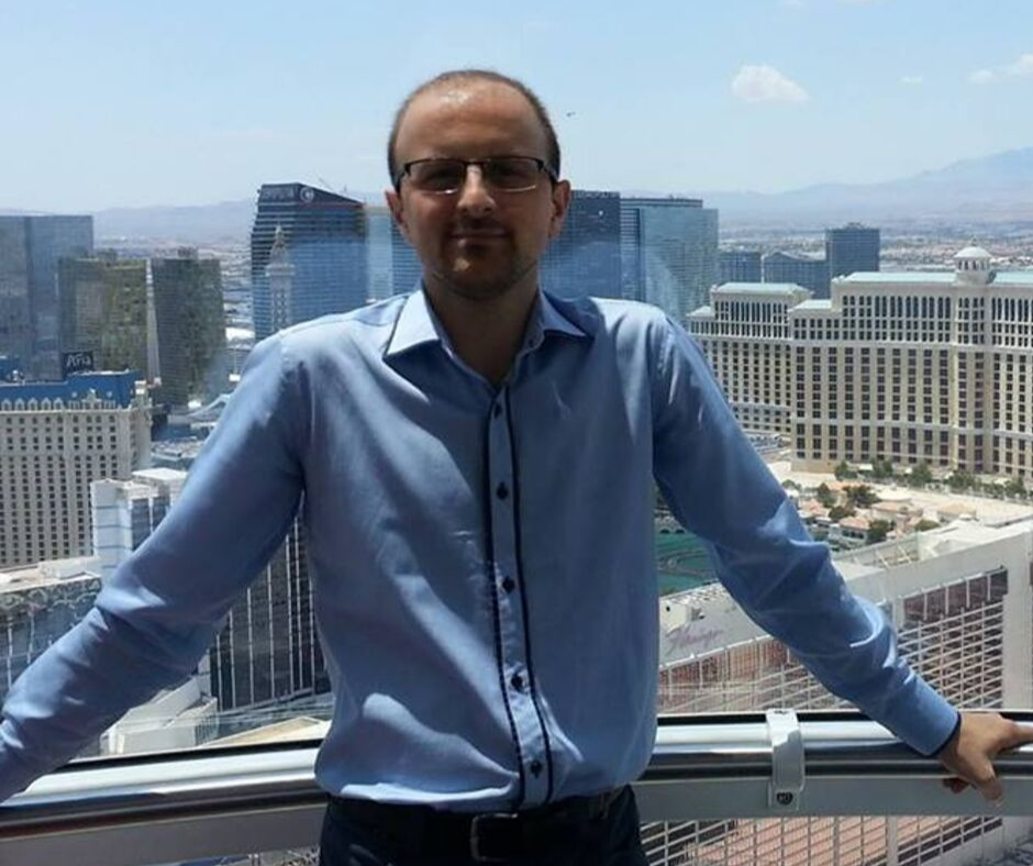 dr. Stefan Mathe